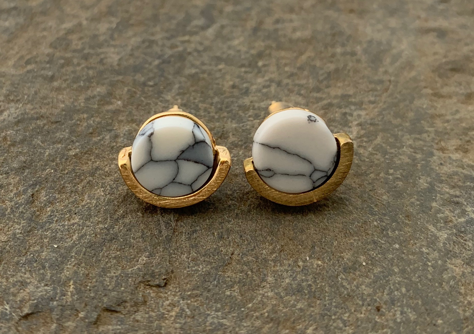 Stud earrings gold plated with grey and white marble stone