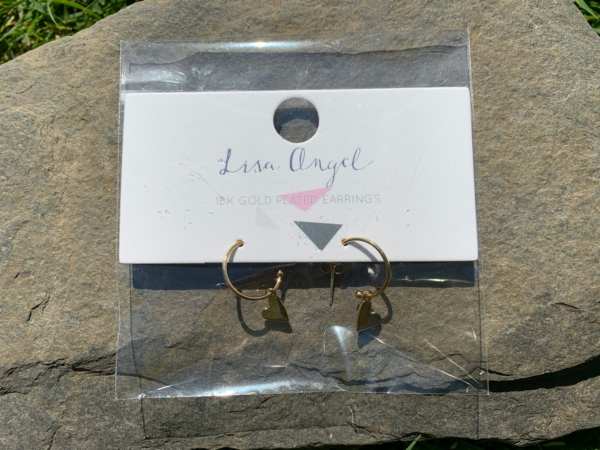 Lisa Angel small hoop earrings with hearts gold or silver