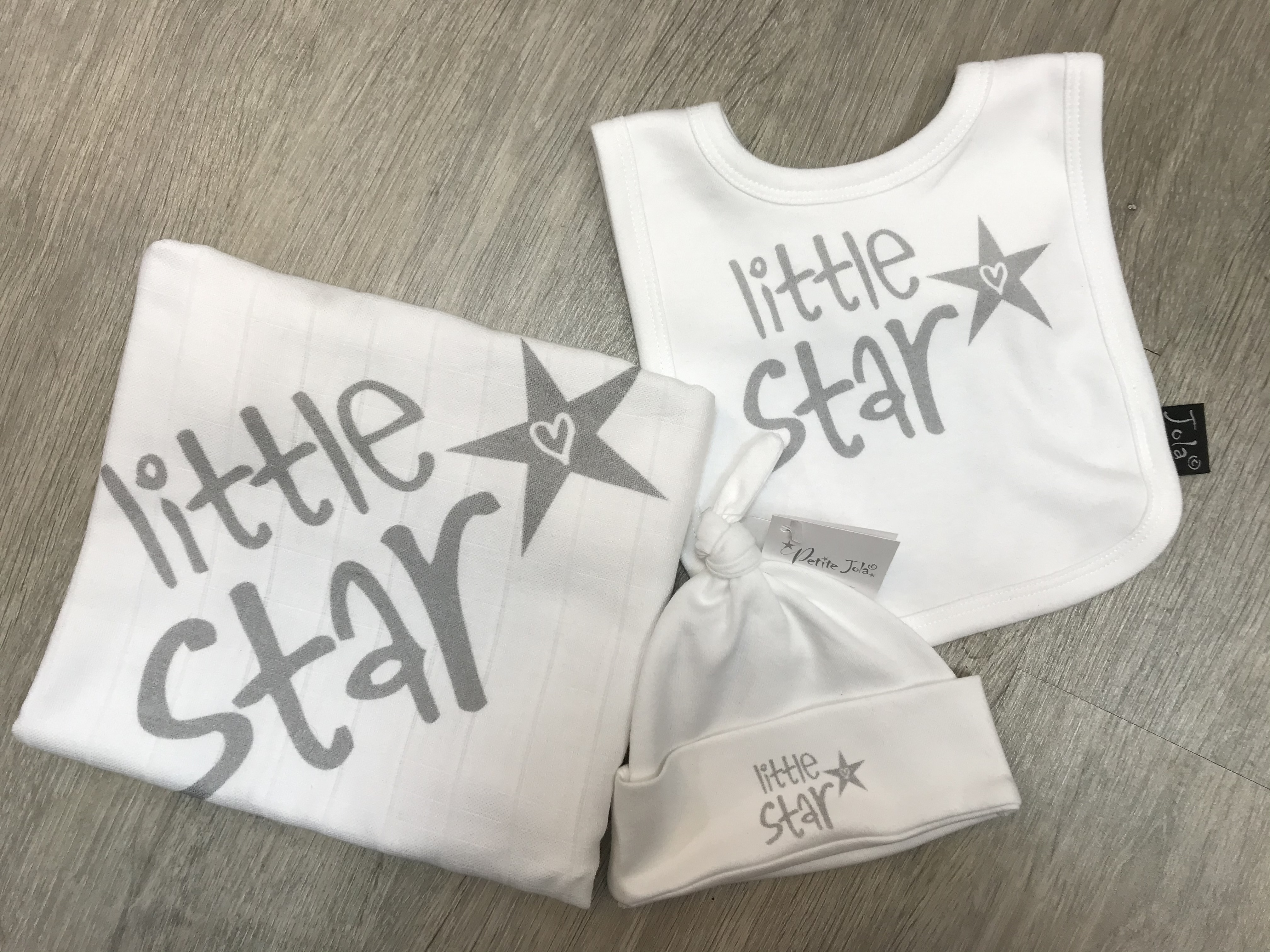 Jola Little Star Gift Set (hat,bib,muslin)