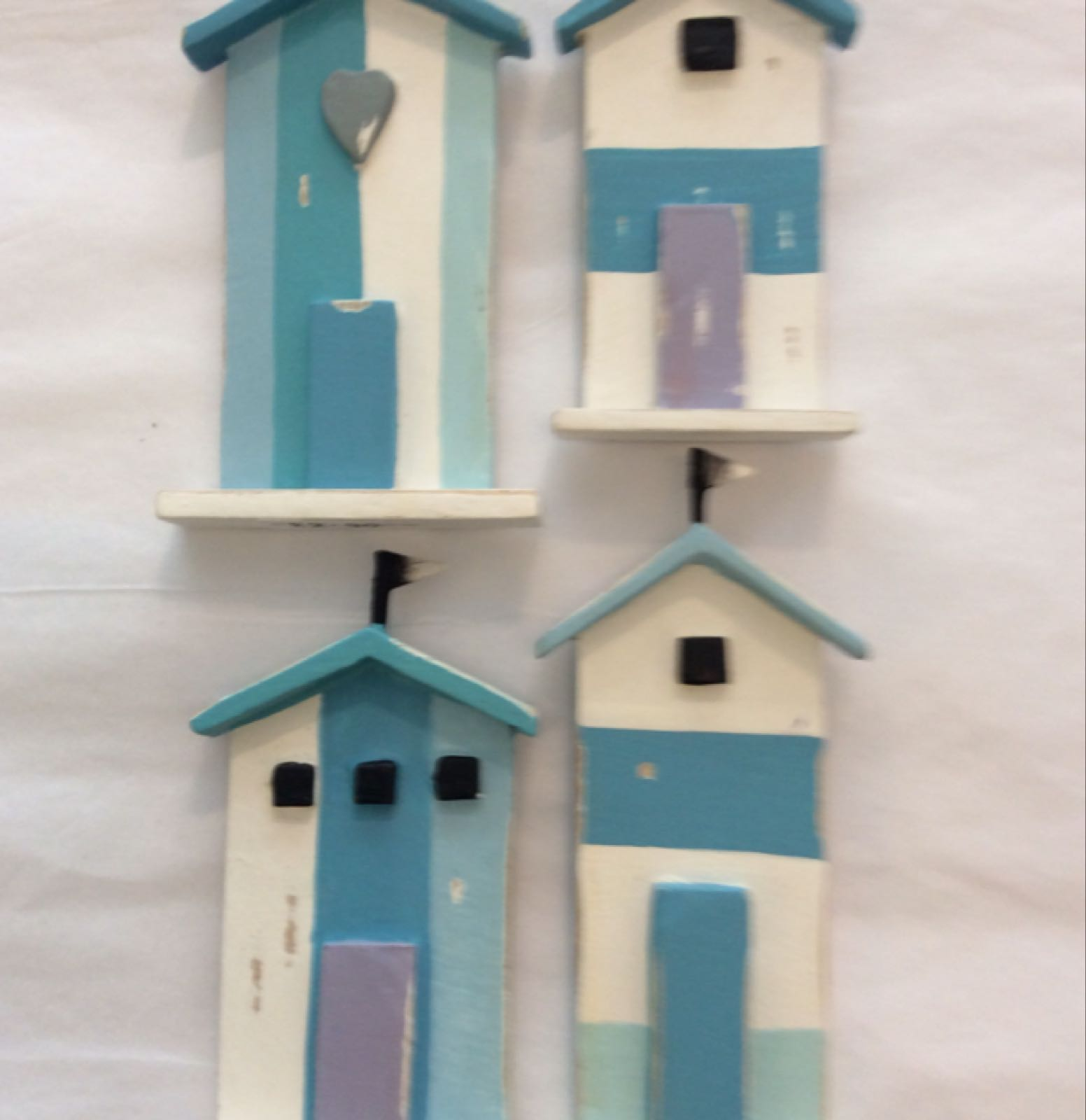 Beach hut magnet (in four styles)