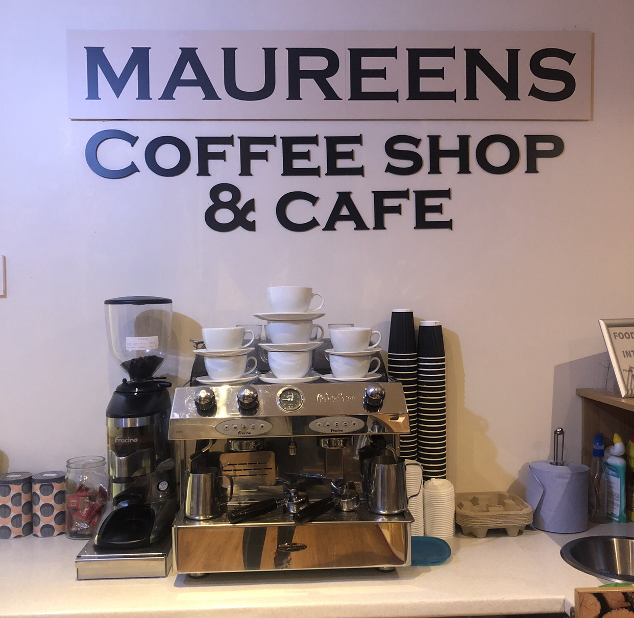 Maureen's coffee shop and cafe