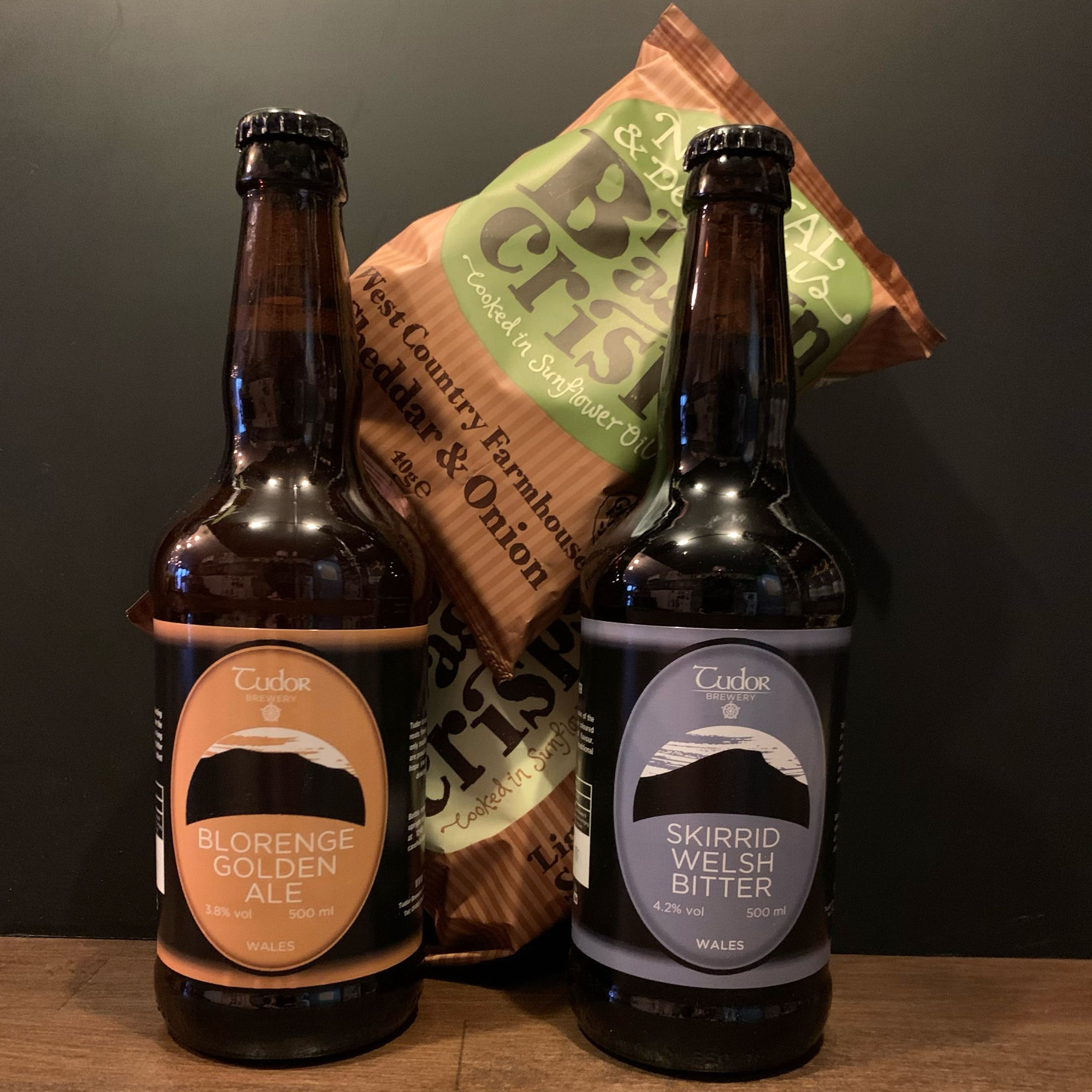 The Real Ale Pub Pack (ale and crisps) with Tudor Brewery
