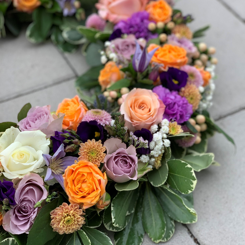 Oasiskrans - Orange och lila kontrast