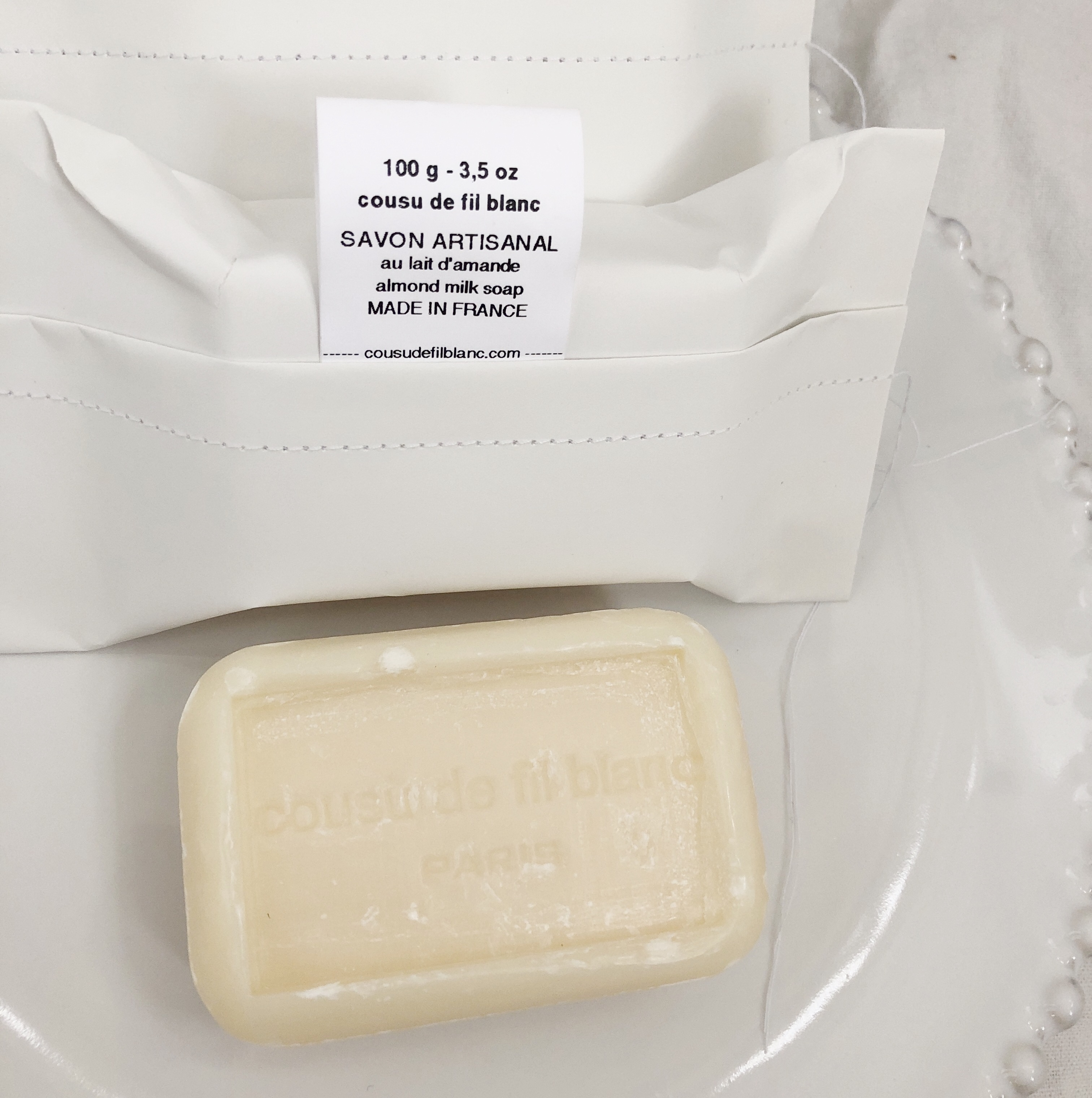 Cousu De Fil Blanc / Almond Milk sæbe