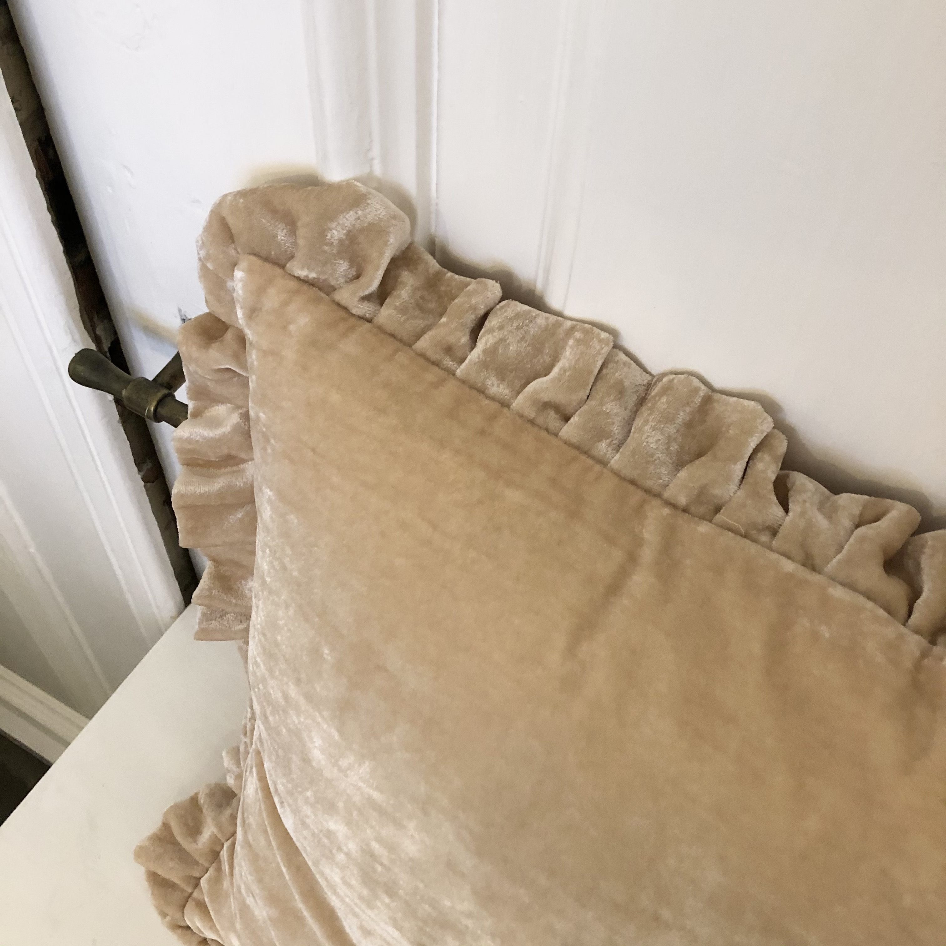Flæsepude i Silkevelour (Creme)