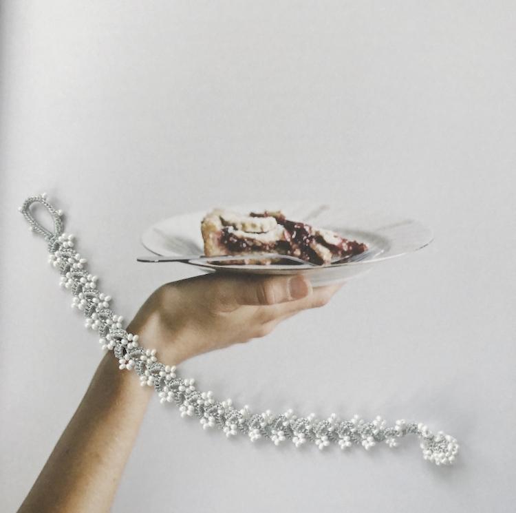 Perlearmbånd (Grå/Hvid)
