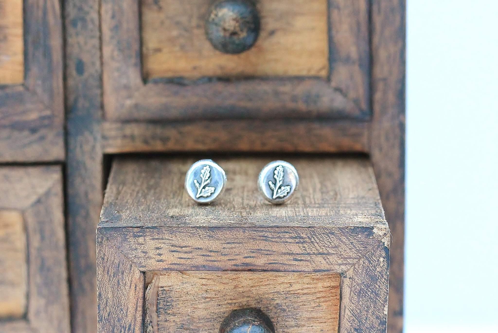 Silver Winter Oak Earrings