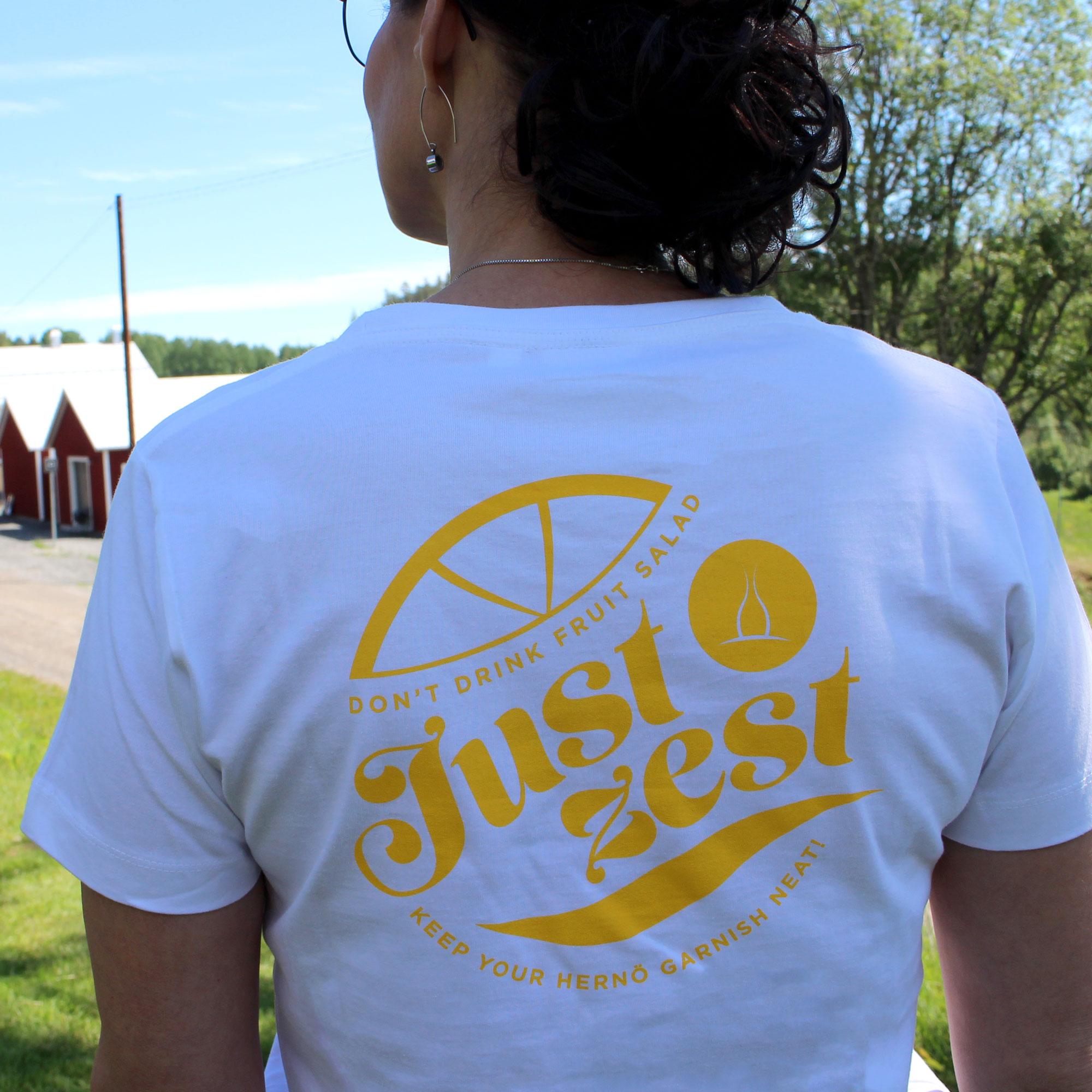 "T-shirt ""Just Zest"", Insvängd modell"