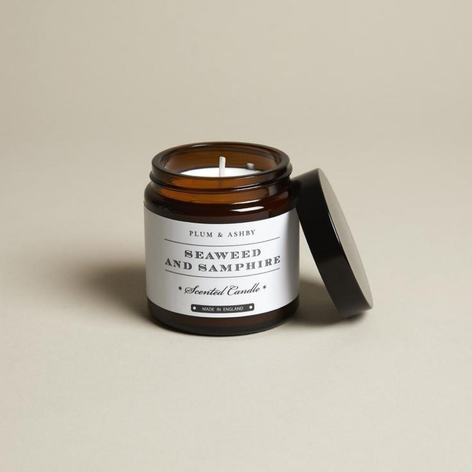 Plum & Ashby Seaweed & Samphire Fragranced Candle in a Jar made with 100% natural plant wax offers 20 hours Burn time