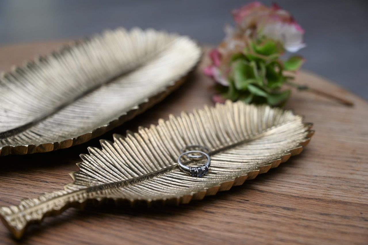 Gold feather dish
