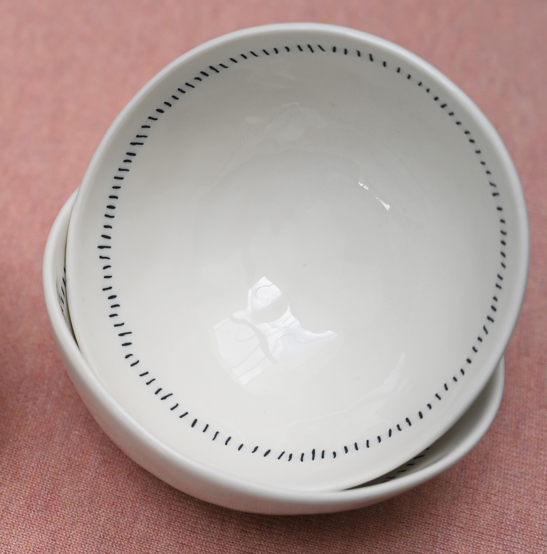 Porcelain Wavy Rim Bowls