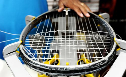 Tennismailan jännitys