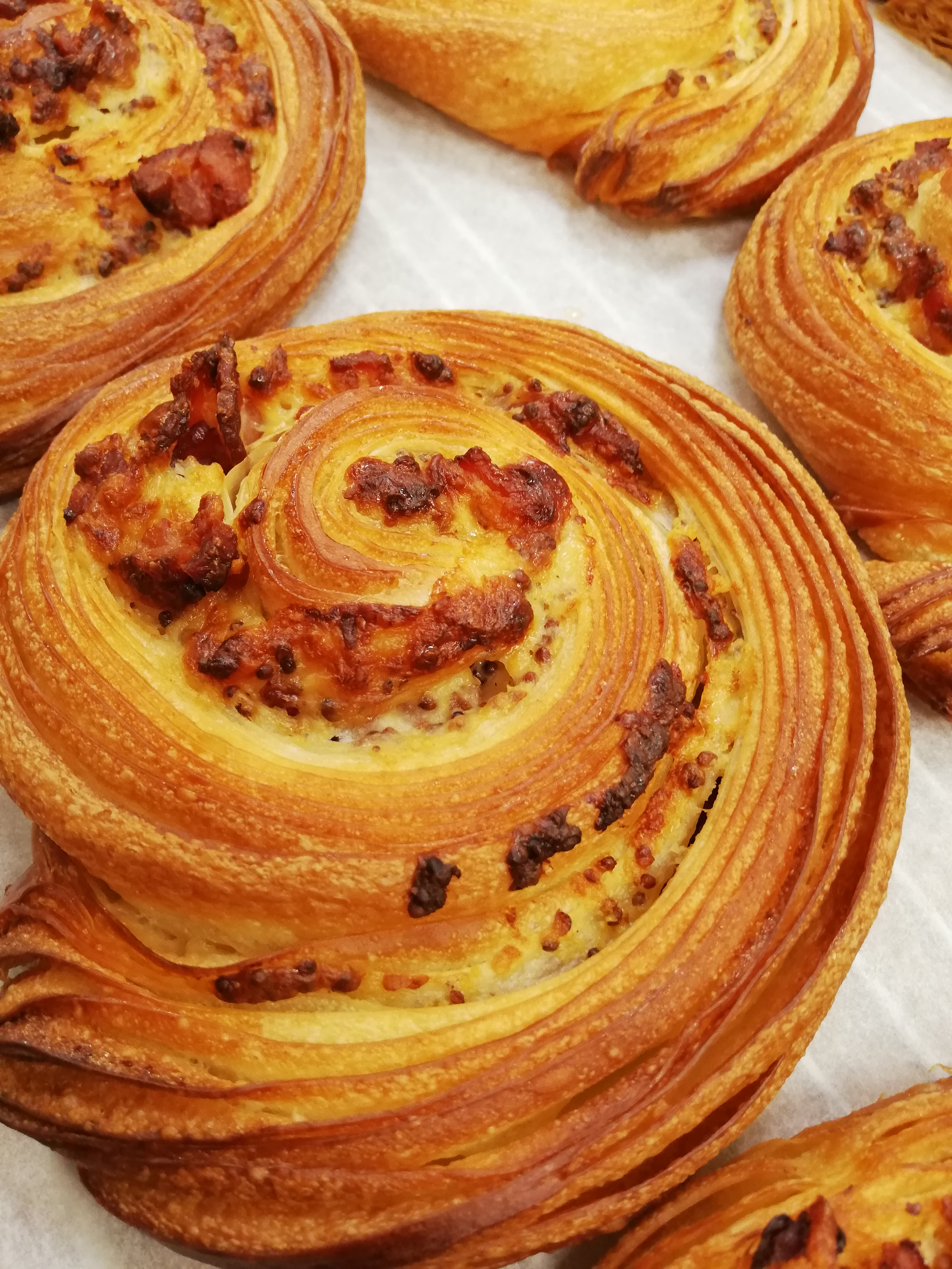 (SAT) Bacon & Berkswell Cheese Swirl