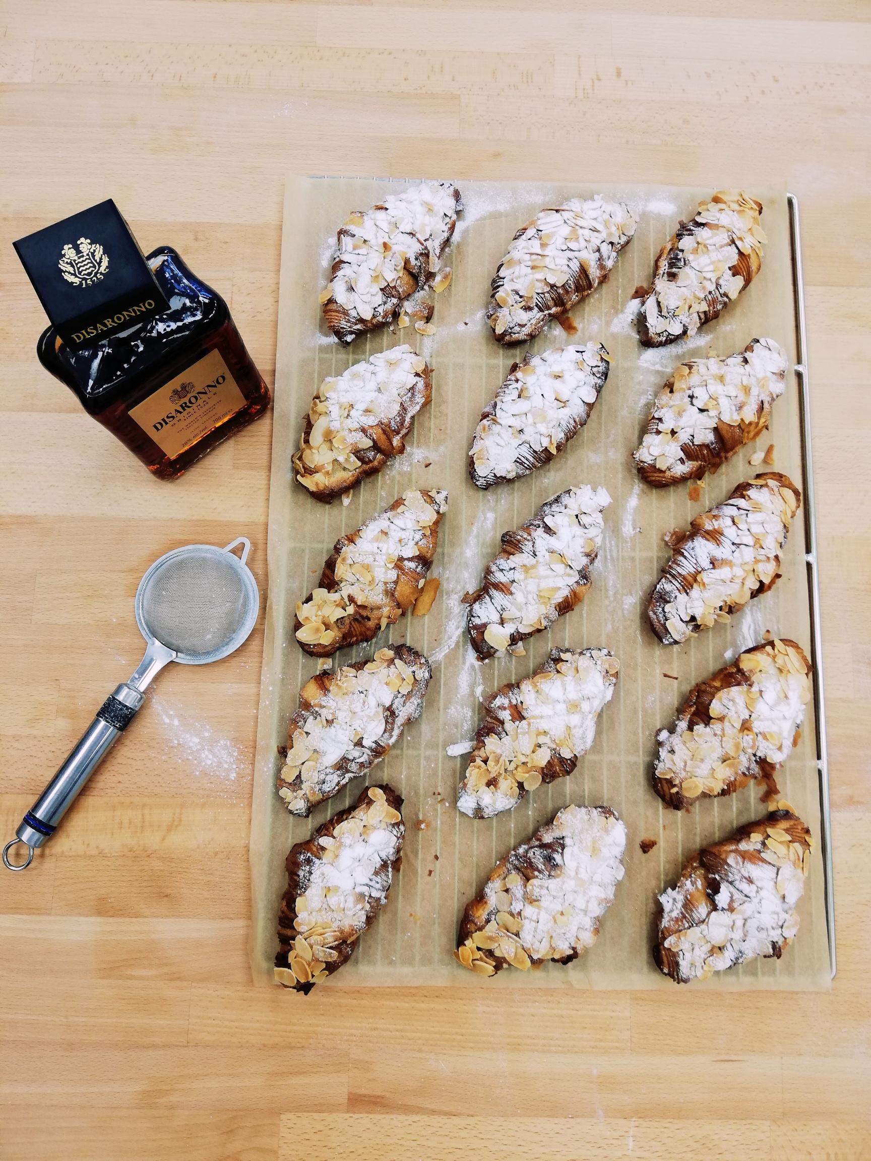 (FRI) Almond Croissant