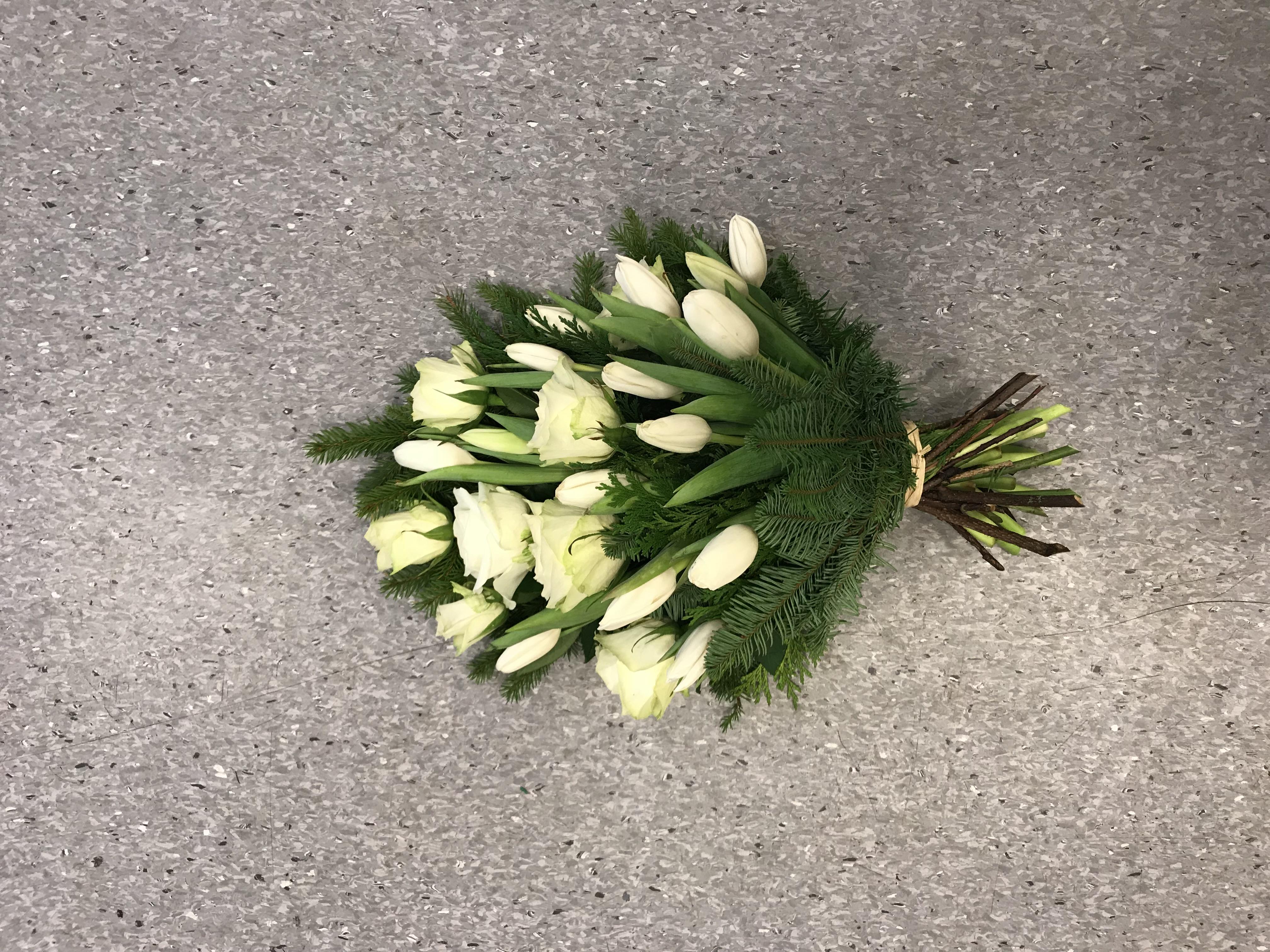 BÅREbukett i sesong blomst