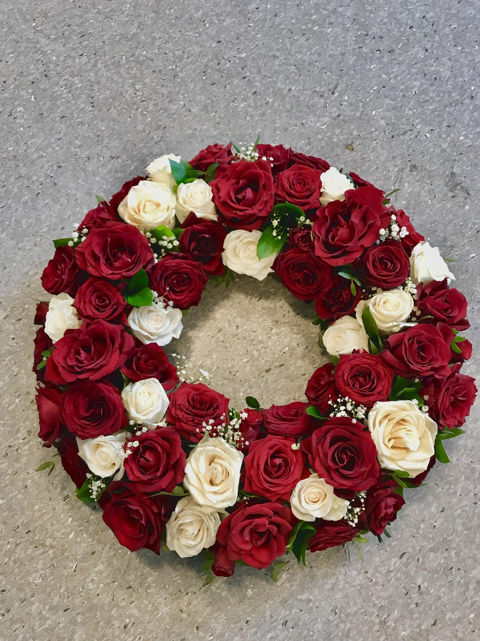 Klassisk rose krans m/bånd