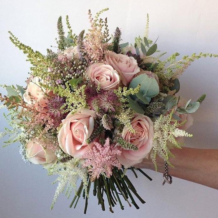 Brudebukett i rosa tone