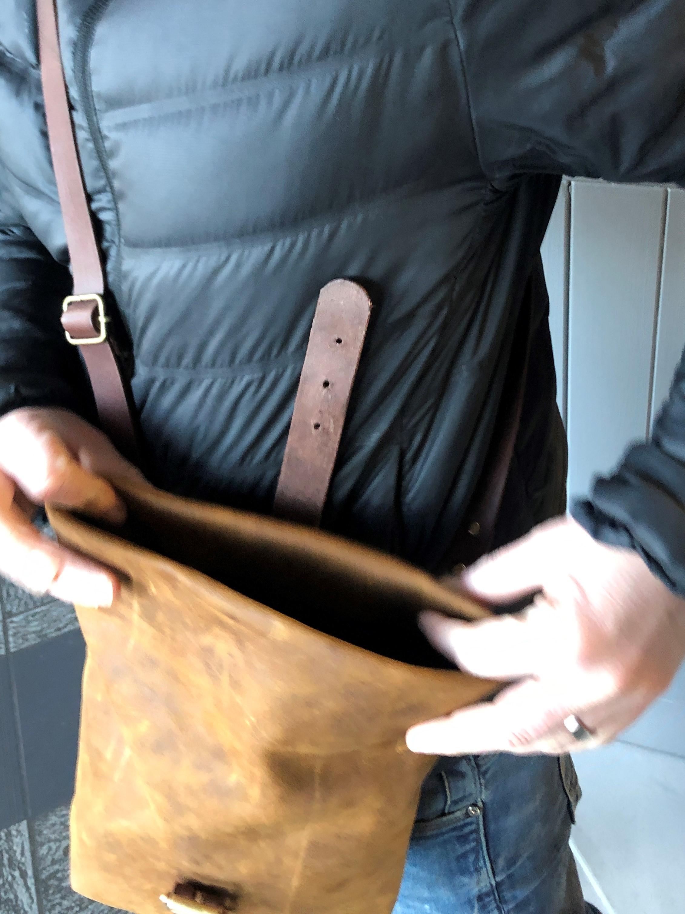 Leather roll top shoulder bag