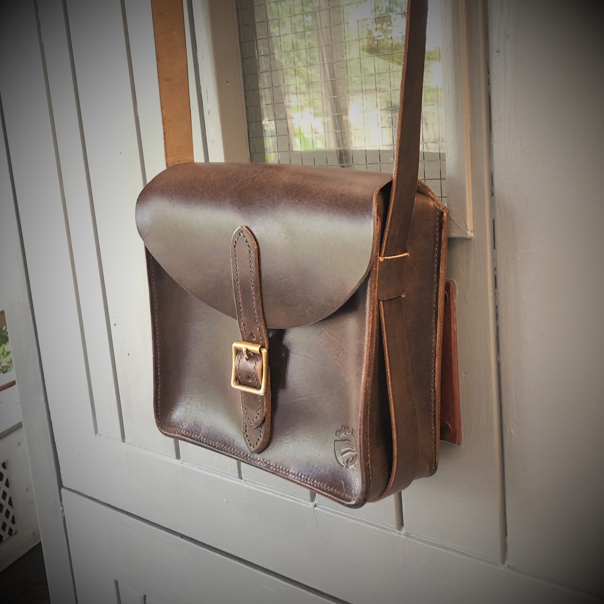 Boxy leather handbag