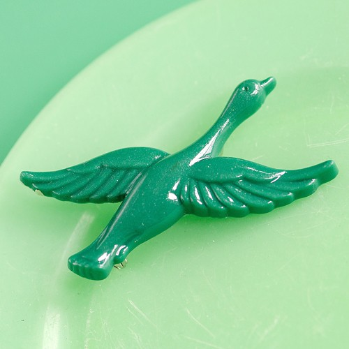 Retro Resin Flying Duck Brooch Dark Green NBC