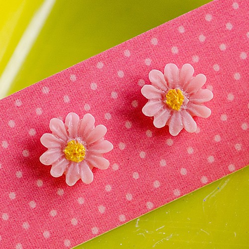 Retro Resin Daisy Stud Earrings Pink NBC