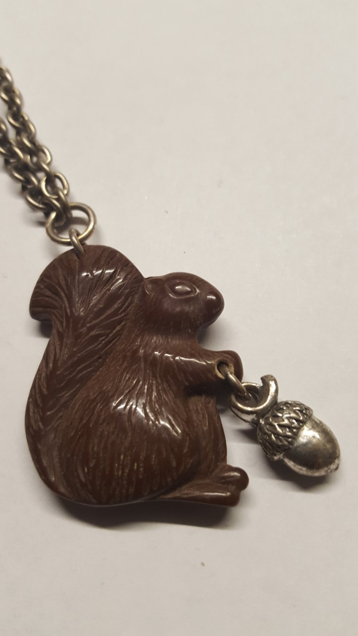 Classic Hardware Squirrel Necklace Dark Brown