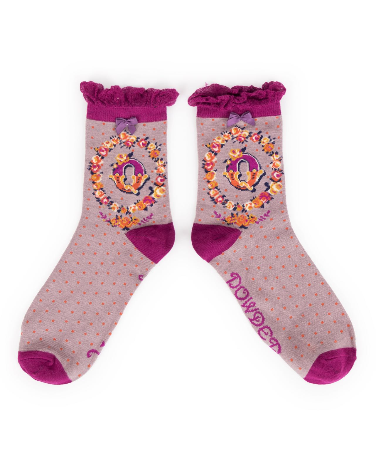 Powder Alphabet socks Q (product may differ from item shown in the photo)