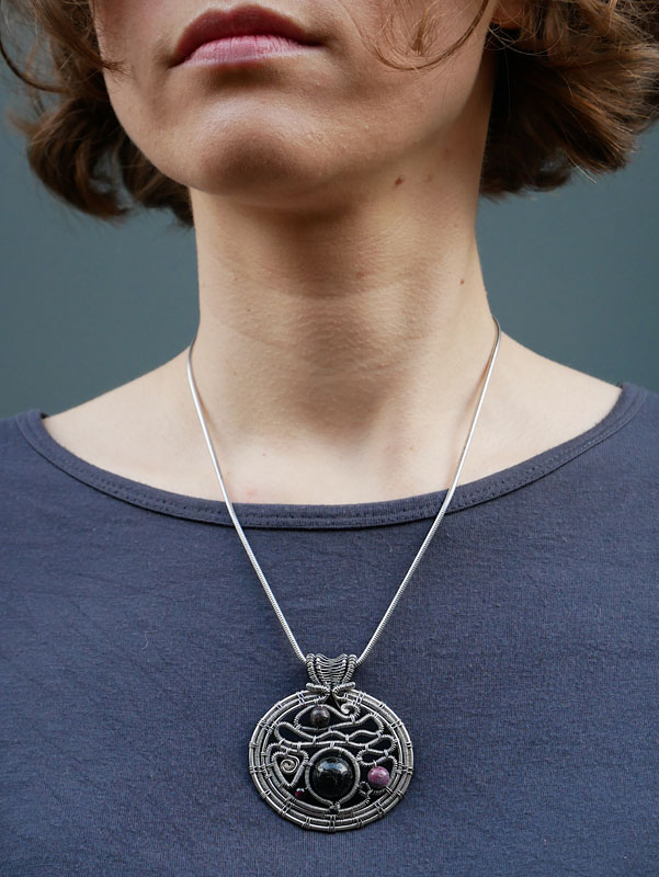 WES196, Music of the Spheres pendant