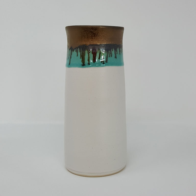 BRI053, White and Gold Vase