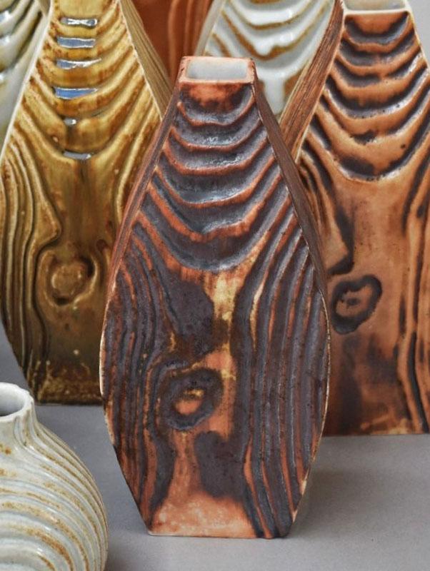 TWE009, Red Iron Matt Flow Vase