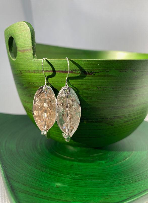 POW017, Leaf Cream Crystal Earrings