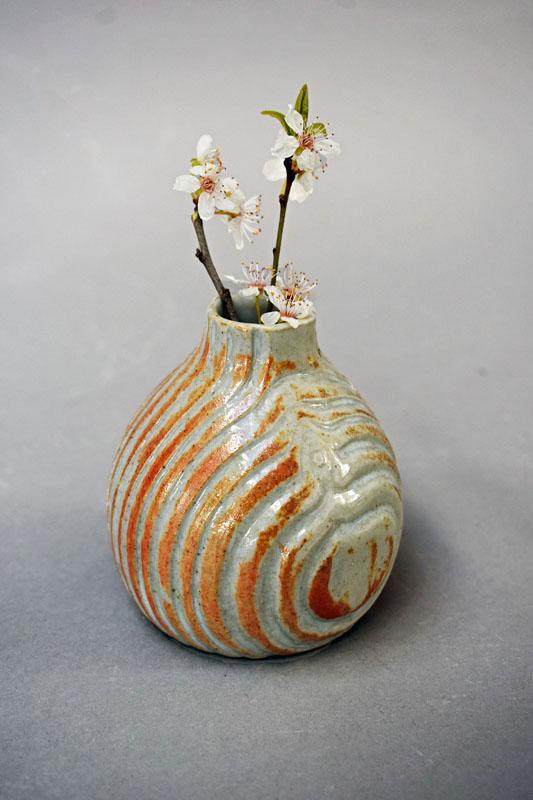 TWE011, Red Iron Nuka Bud Vase