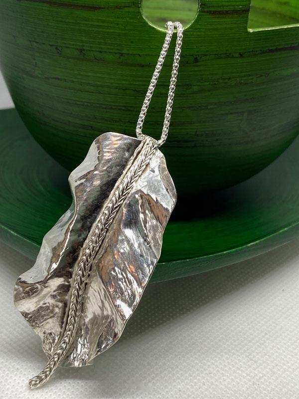 POW005, Feather / Leaf Necklace