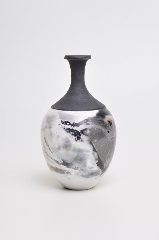 GIB008, Thrown pot with tall black neck