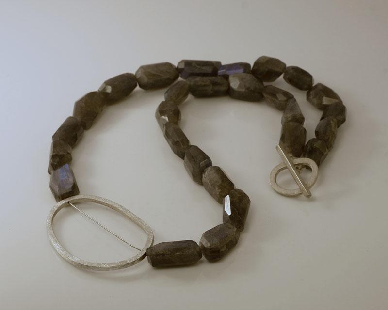 WES191, Labradorite pebble necklace