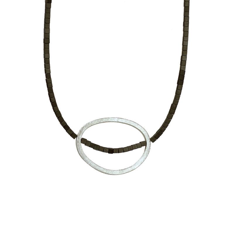 WES190, Black Sands pebble necklace