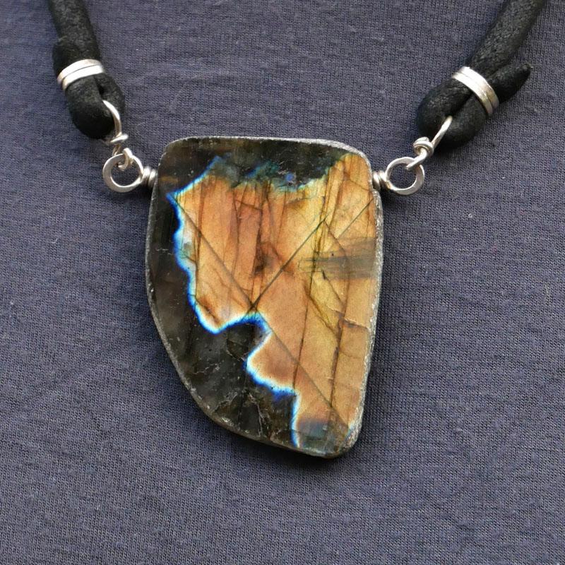 WES188, Labradorite chunk necklace