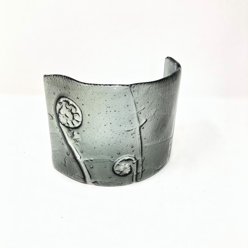 SHI296, Silver Grey Fern curve
