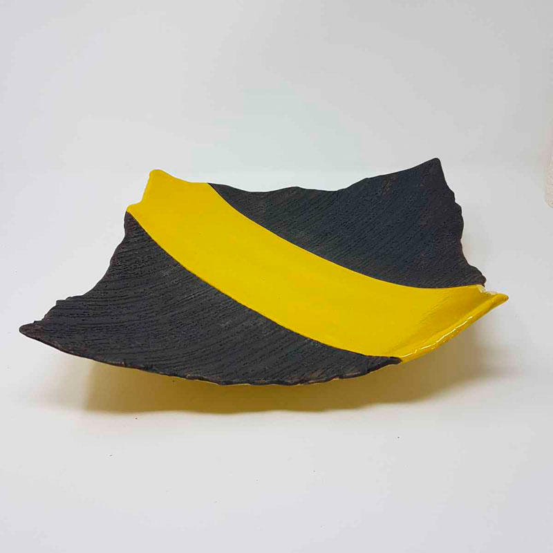 BRI119, Textured Platter with Yellow