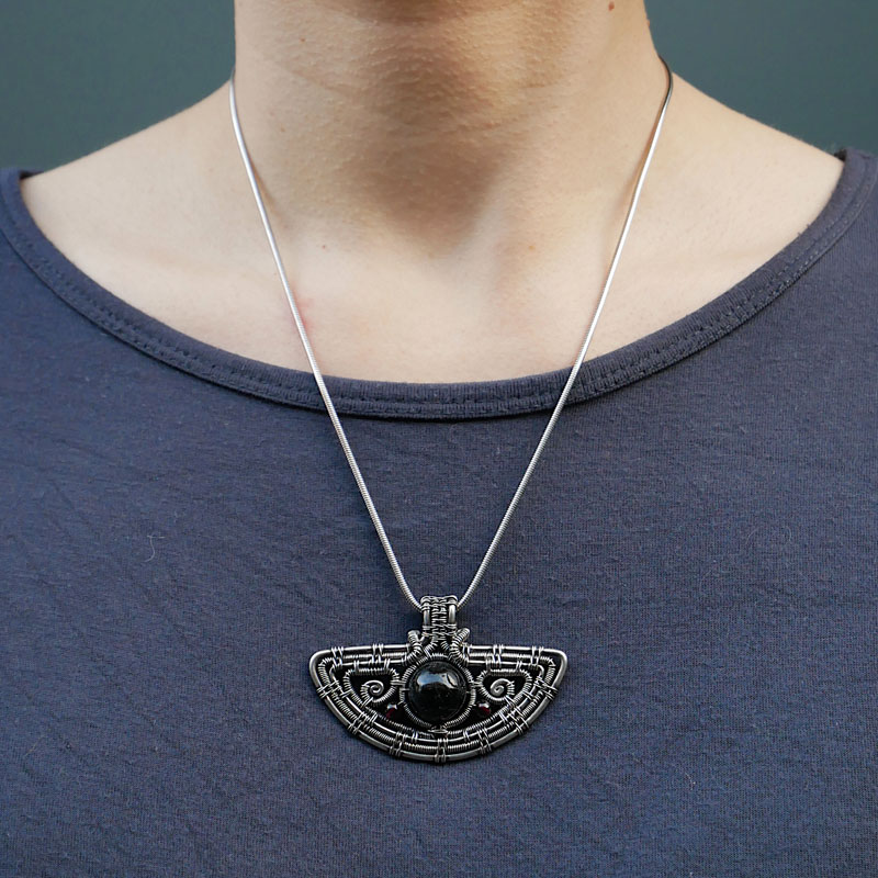 WES197, Amulet pendant
