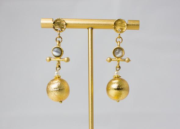 Brush Gold Sphere drop earrings