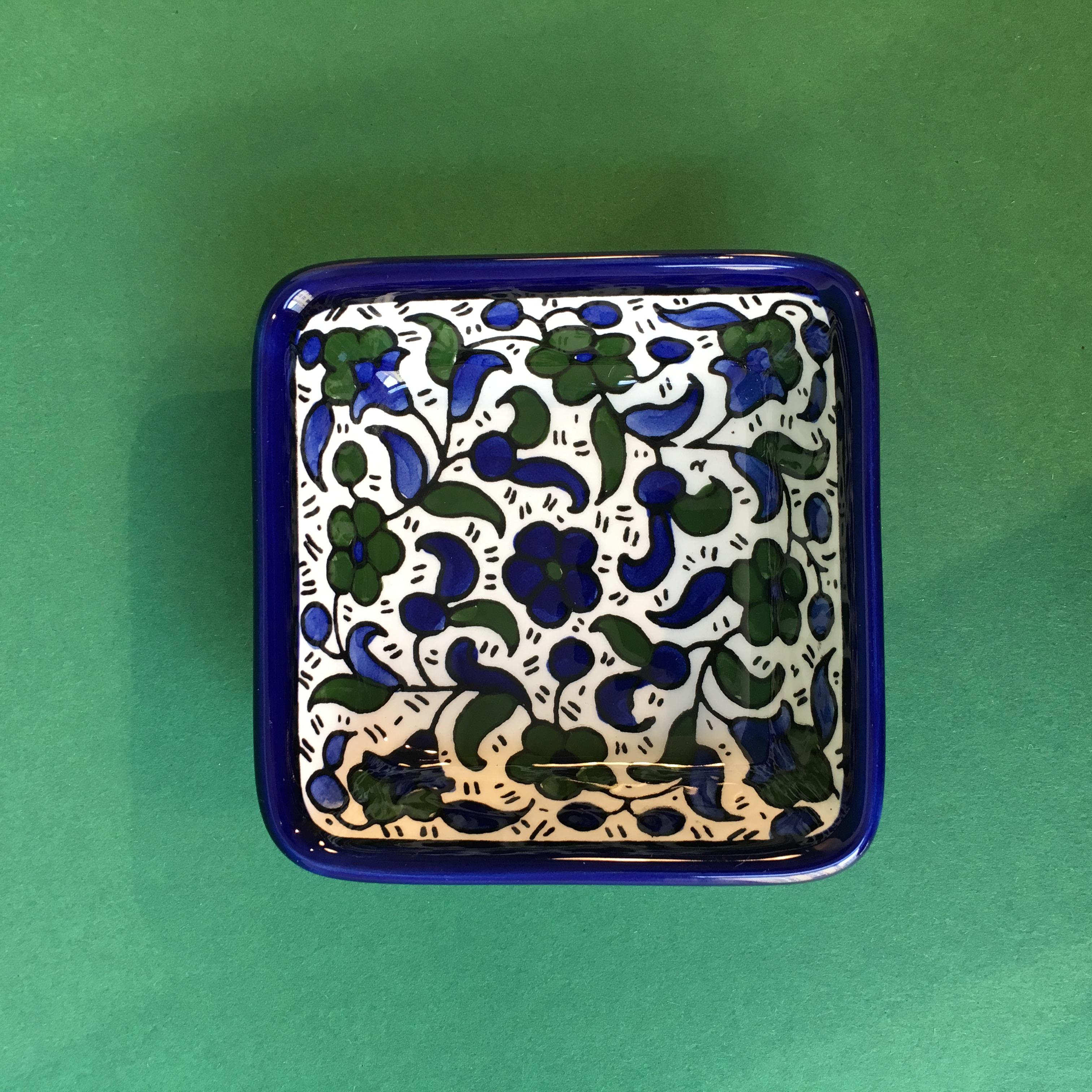 Kvadratisk keramikkskål, blå og grønn