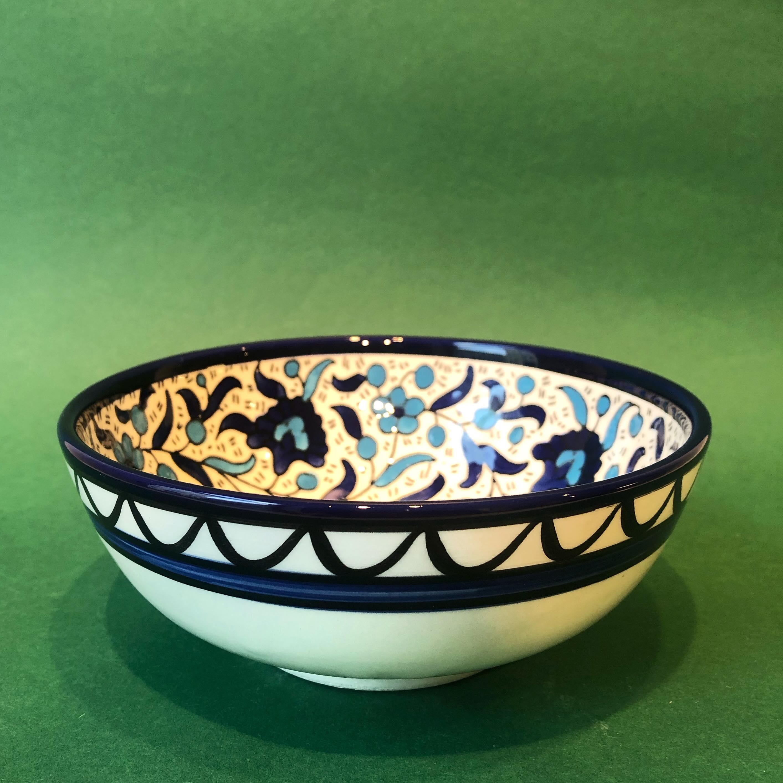 Mellomstor keramikkskål, blå og lyseblå