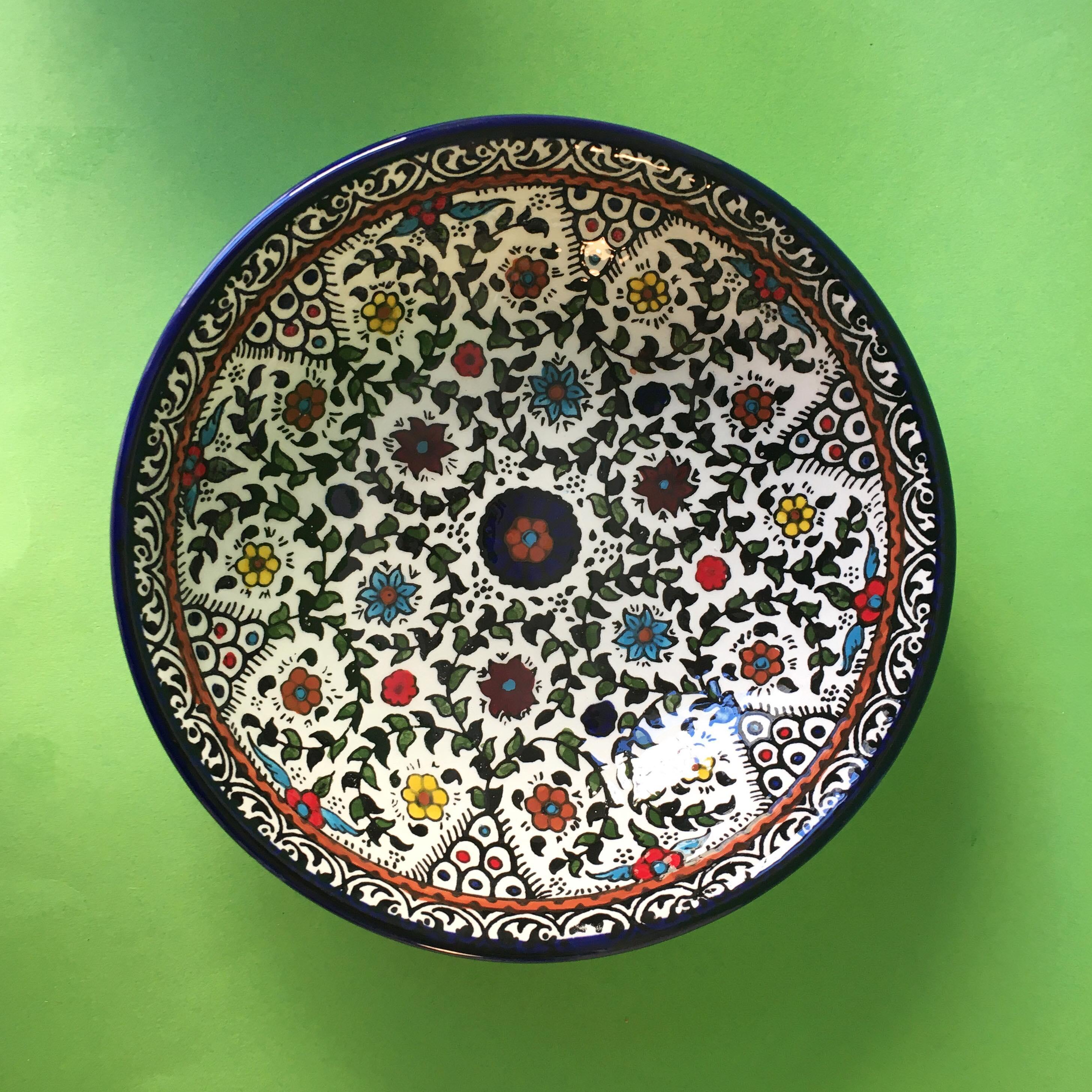 Stor keramikkskål, flerfarget