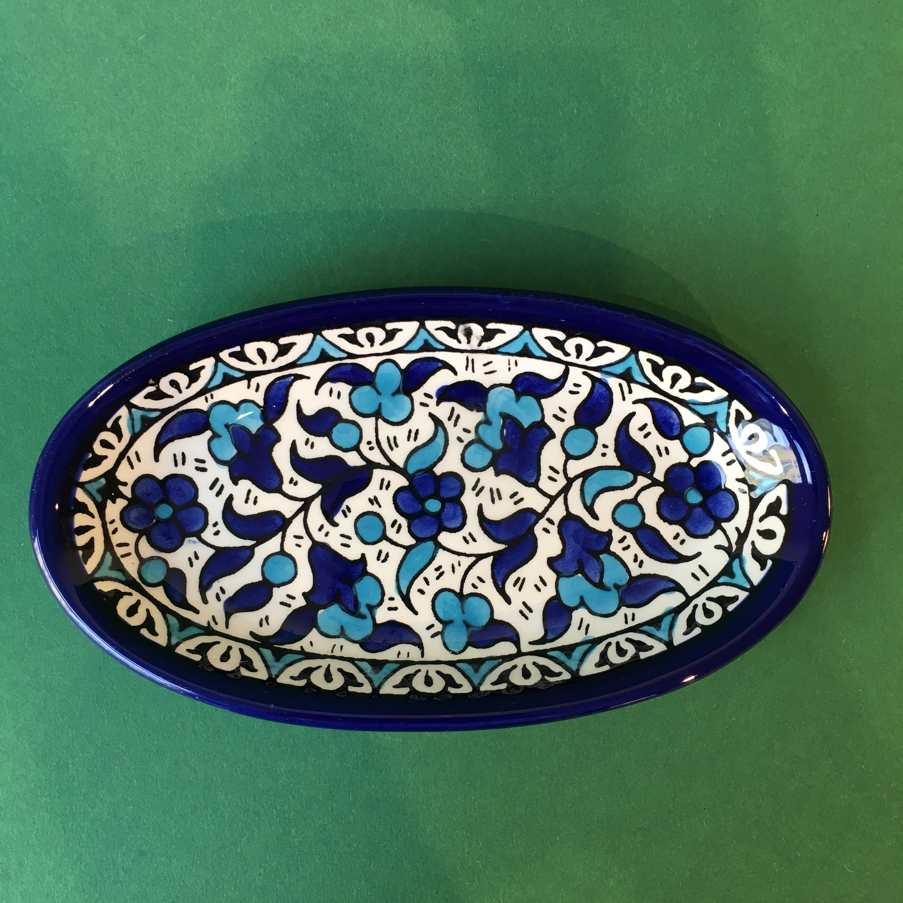Ovalt keramikkfat, blått og lyseblått