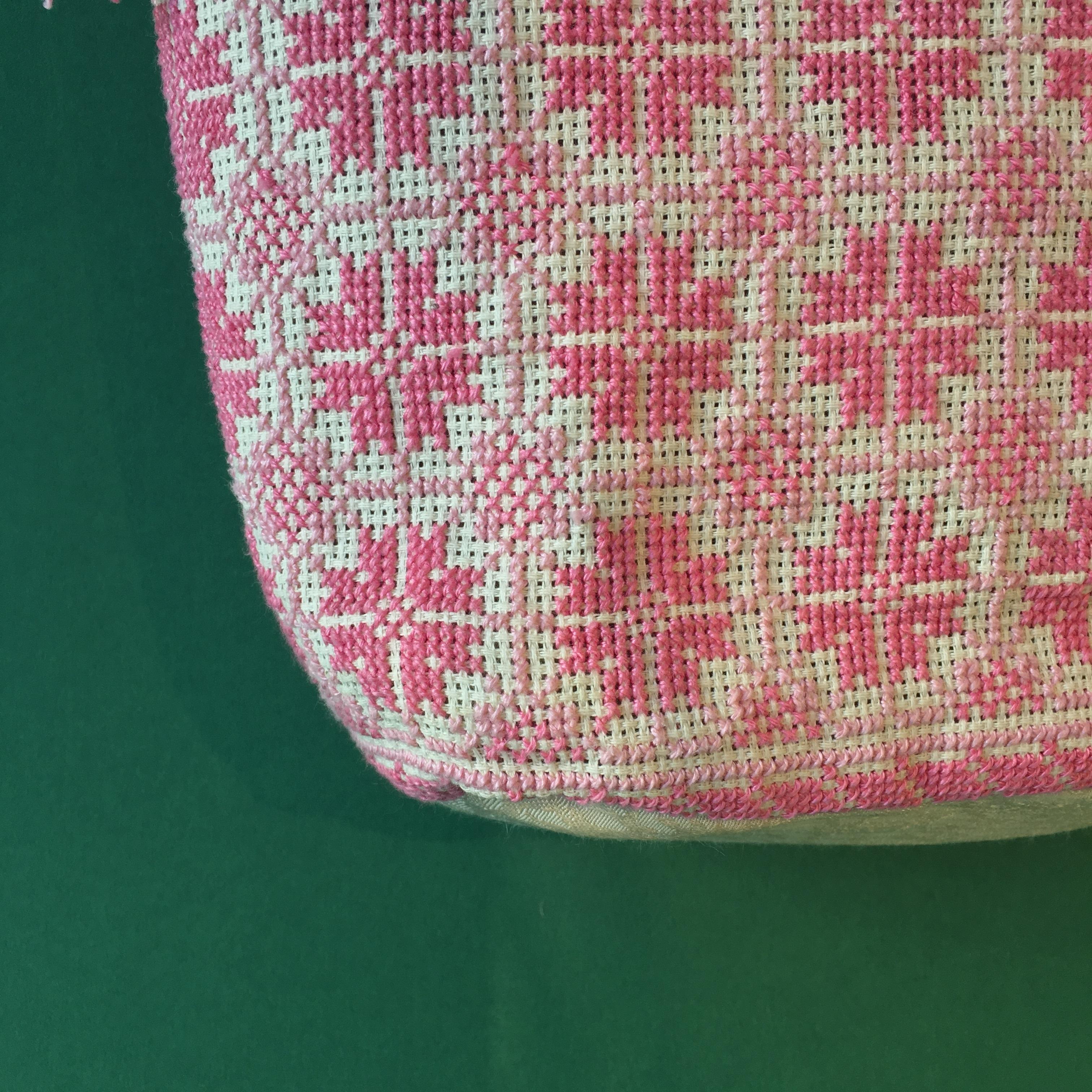 Brodert skulderveske, hvit og rosa