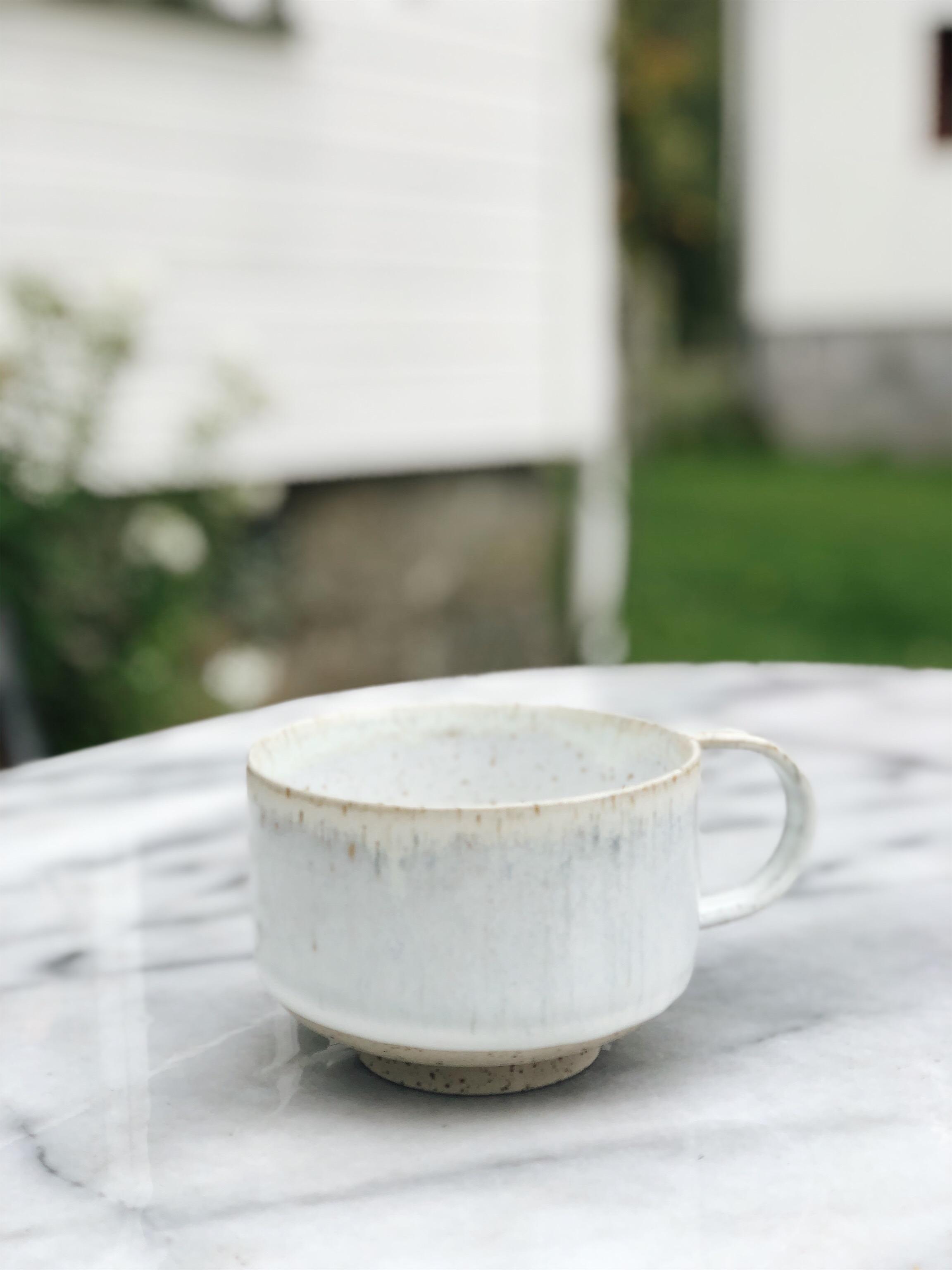 STUDIO ARHØJ - Mion Mug, White Llama