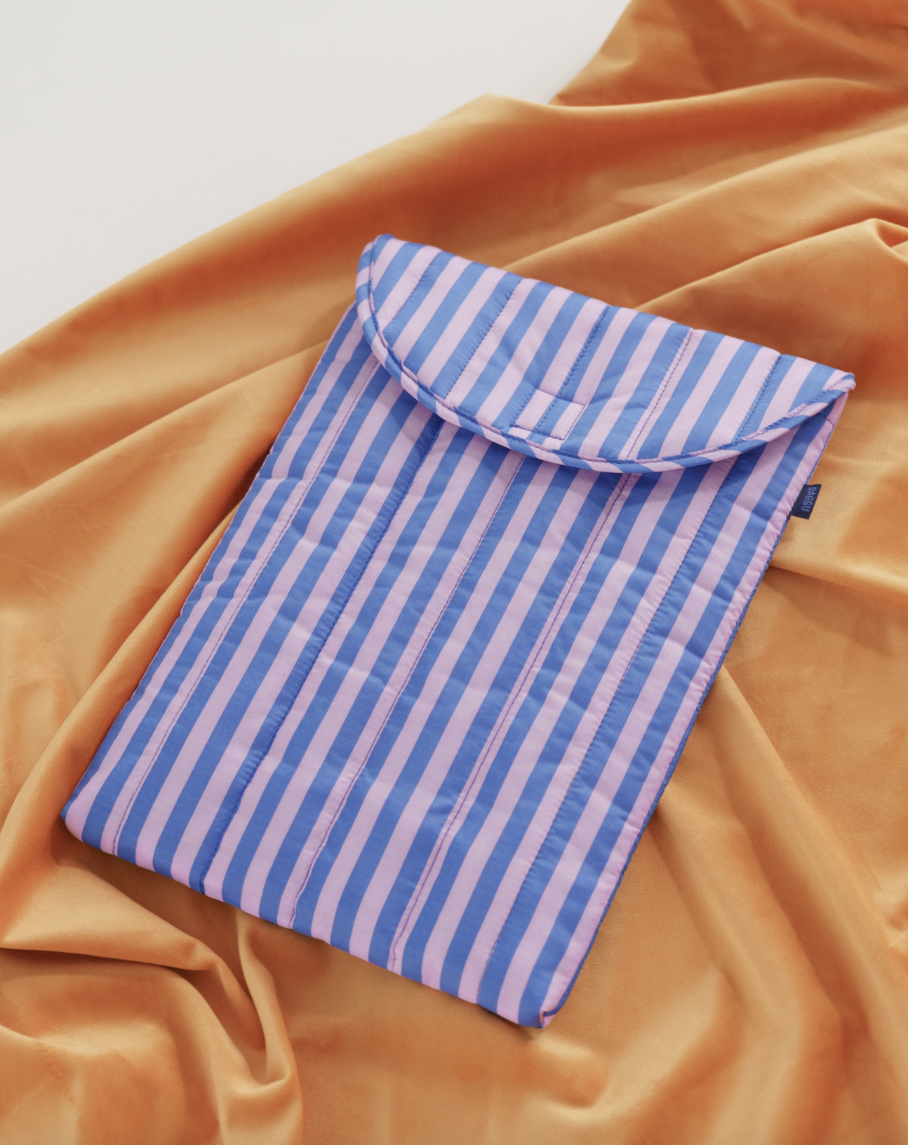 "BAGGU - Puffy Laptop Sleeve 13"", Pink and blue stripe"