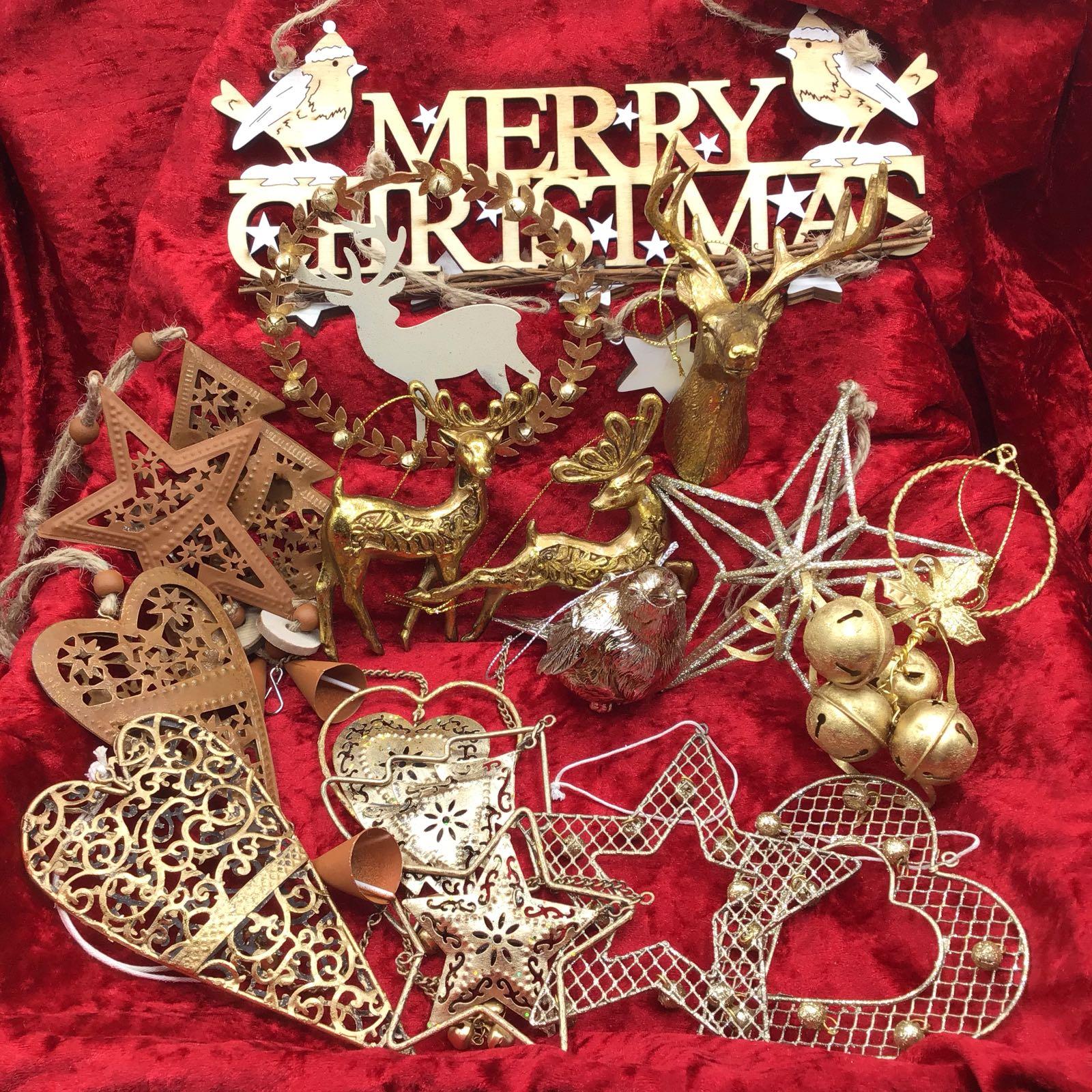 Christmas in a Box – Gold & Glitz