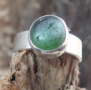 RE187 Eco-silver Seaham Sea Glass Ring  UK O Round Dark Forest Green
